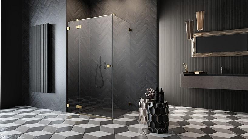 łazienka zkafelkami imitującymi drewniane deski ułożone wjodełkę francuską