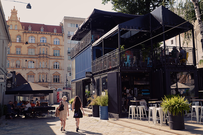 widok na restaurację Doki mieszczącej się wkontenerach