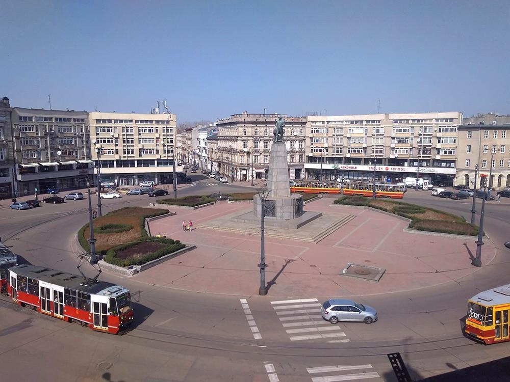 Rewitalizacja Placu Wolności wŁodzi: więcej zieleni, mniej samochodów