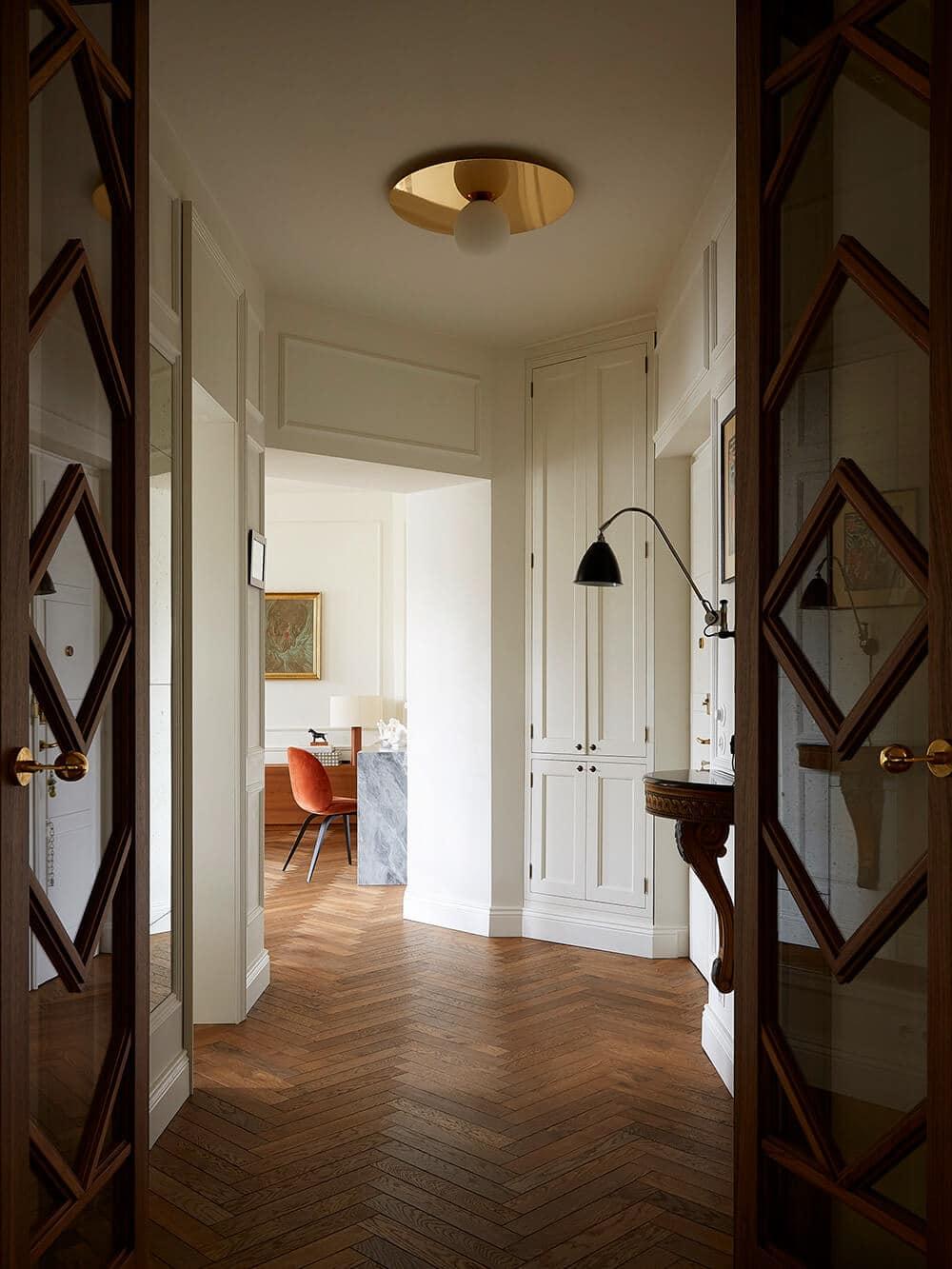 Rozkochać się wretro: przestronny apartament wprzedwojennej kamienicy