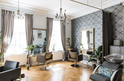 nowoczesny salon fryzjerski w eklektycznej aranżacji