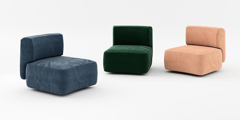 trzy małe kanapy do siedzenia wkolorach beżu, zieleni oraz jasnoniebieskiej szarości