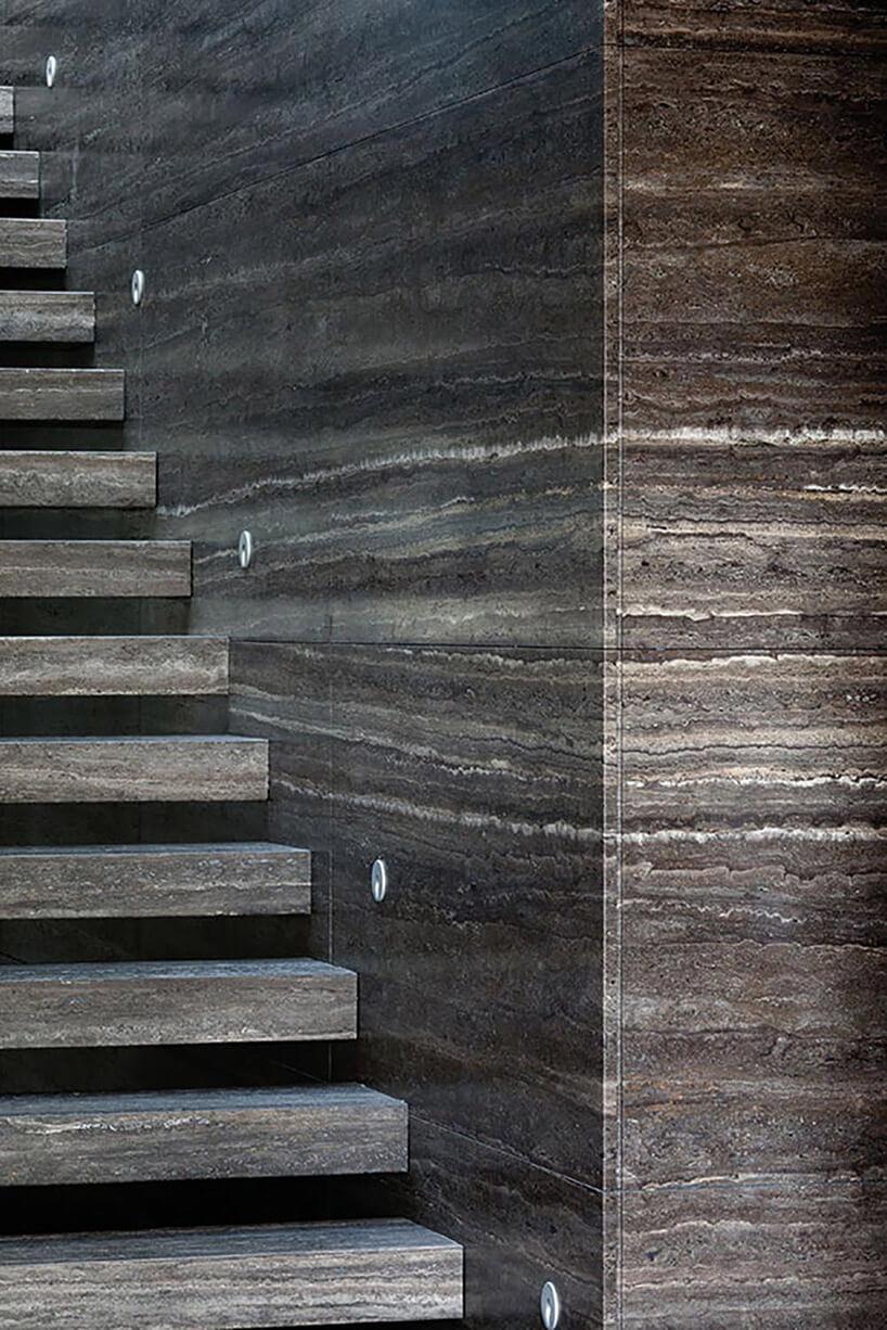 kamienne schody iściana