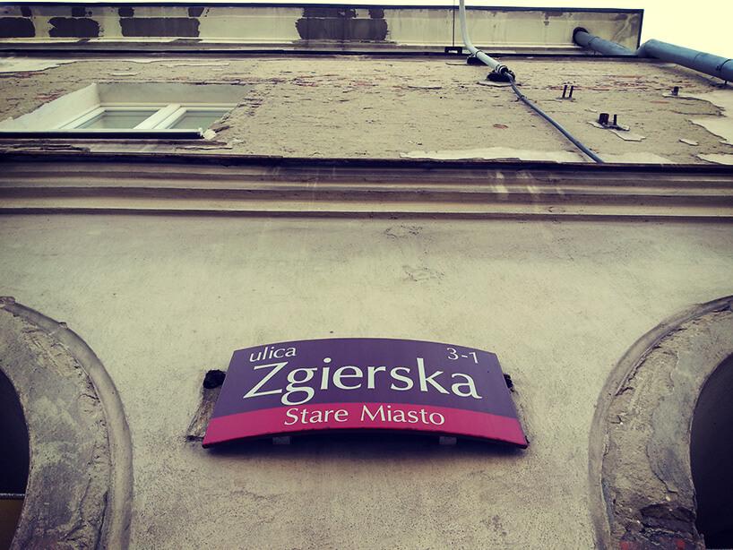 tabliczka znazwą ulicy wŁodzi - Zgierska