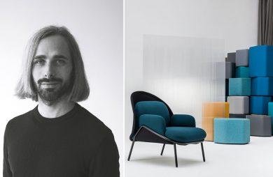 zdjęcie Krystiana Kowalskiego obok krzesła z czarnym stelażem i niebieskim siedziskiem