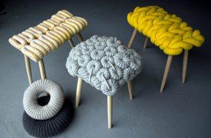 seria stołków z siedziskami z włóczki