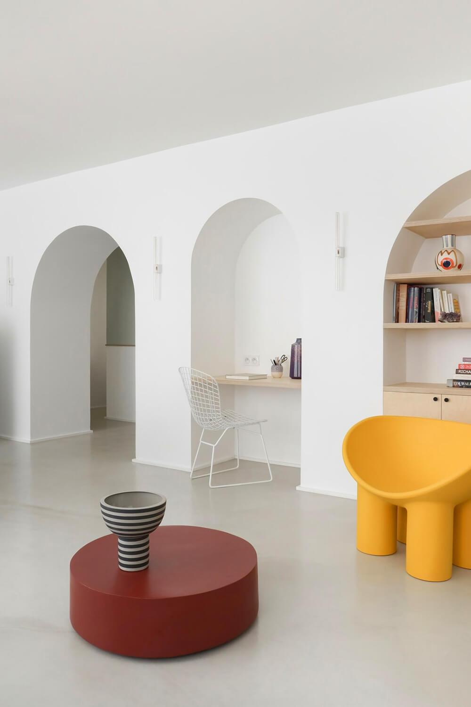 Stonowane wbarwie, oryginalne wformie: mieszkanie zlat 70.