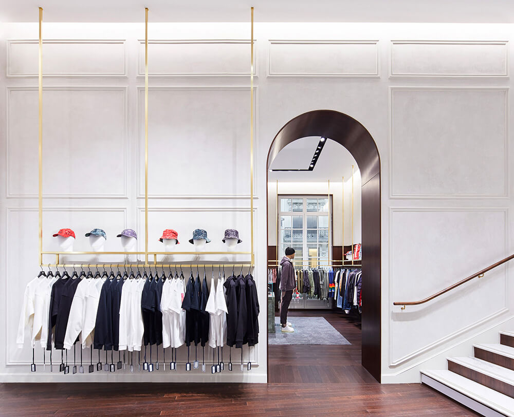 Streetwear wsklepie iAir Maxy na żyrandolu