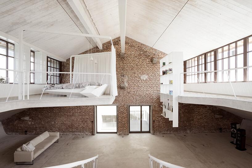 styl industrialny loft zantresolą