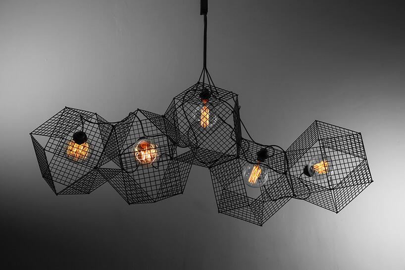 styl industrialny wyjątkowa lampa wisząca zkloszem zsiatki