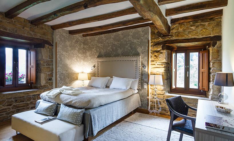 elegancka sypialnia wstylu prowansalskim