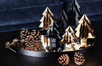 stół ze świątecznymi inspiracjami