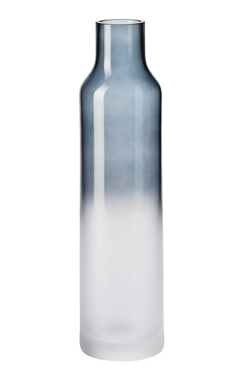 wysoka butelka zgradientem kolorystycznym
