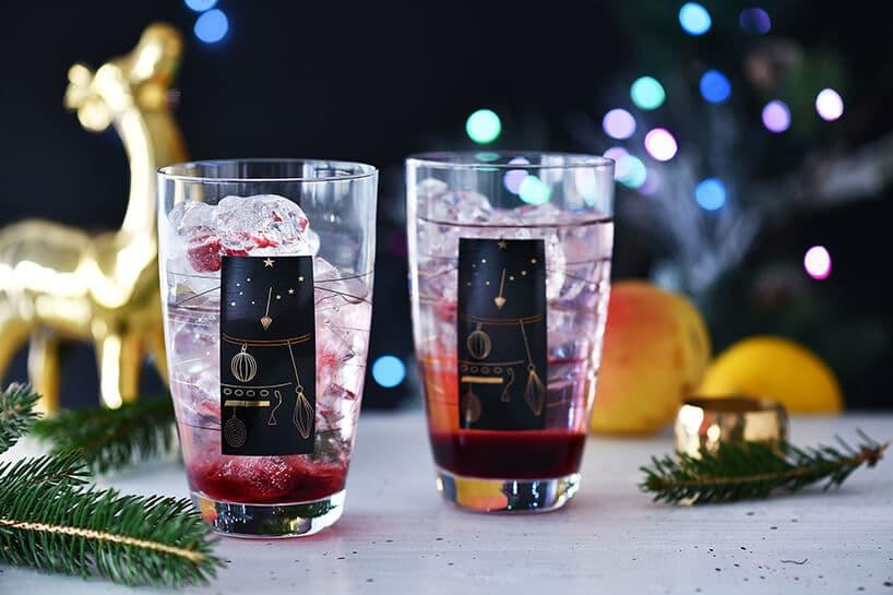 szklanki zlodem ikolorowym sokiem