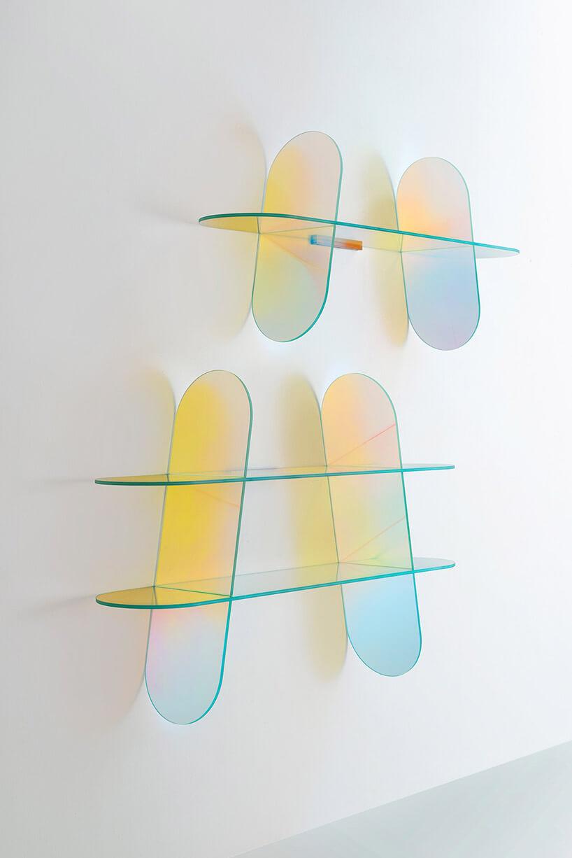 półka ze szklanych tafli
