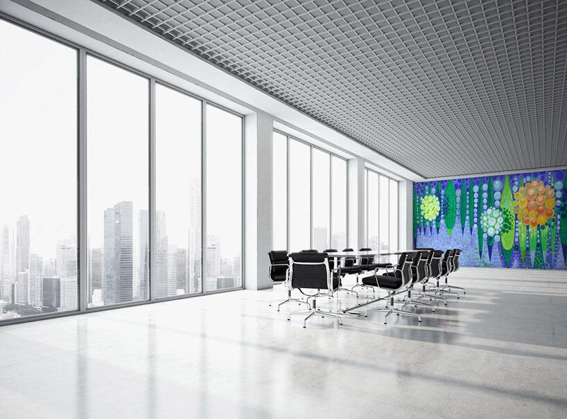 kolorowa tapeta we wnętrzu sali konferencyjnej