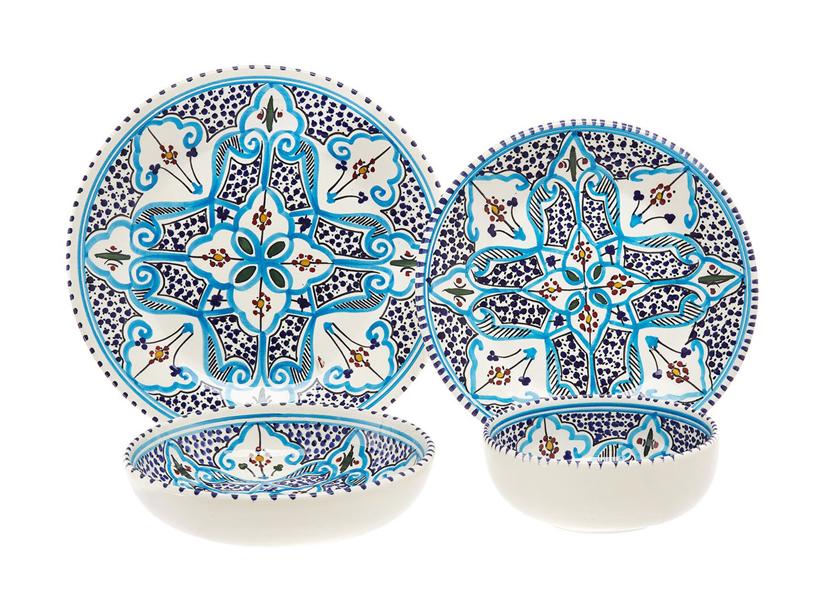 dwa wzorzyste biało niebieskie talerze od Coin Casa
