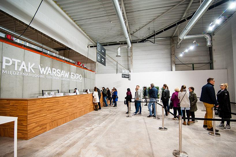 kolejka przy recepcji Warsaw Home 2017