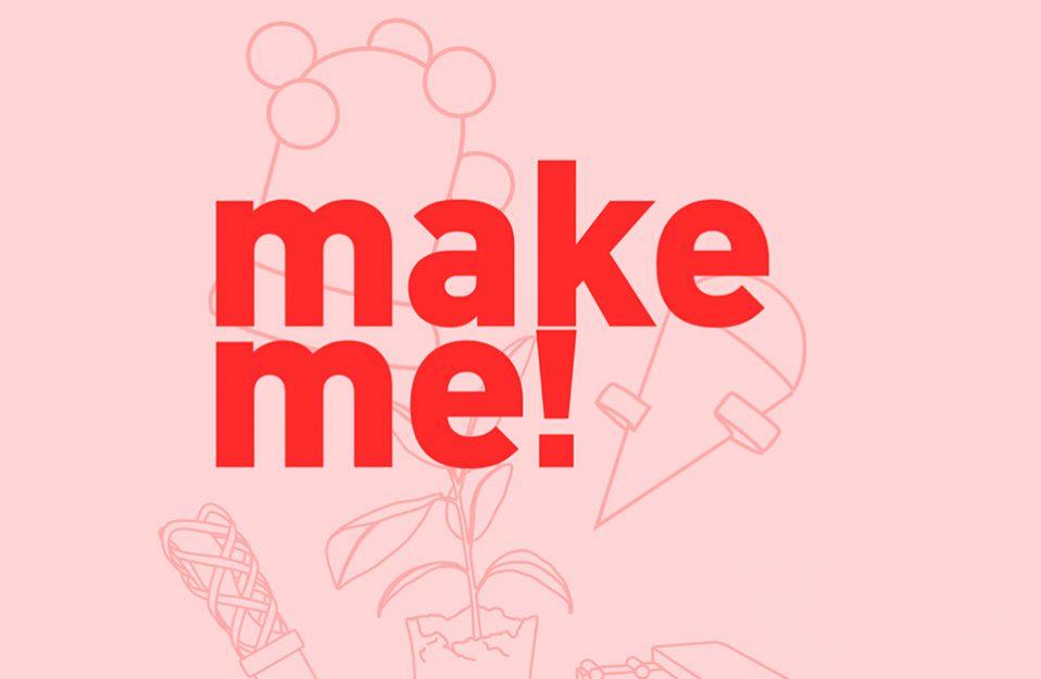 czerwony logotyp make me! na różowym tle