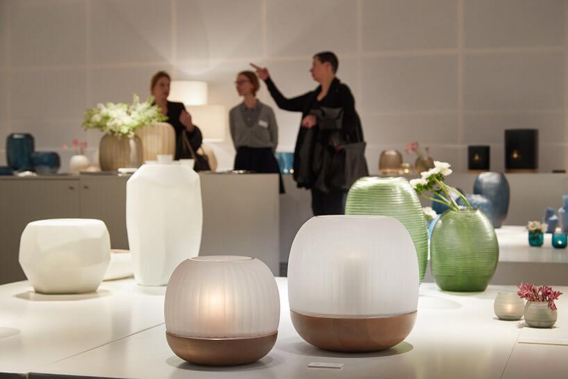 wyjątkowe lampki stojące wkształcie kul