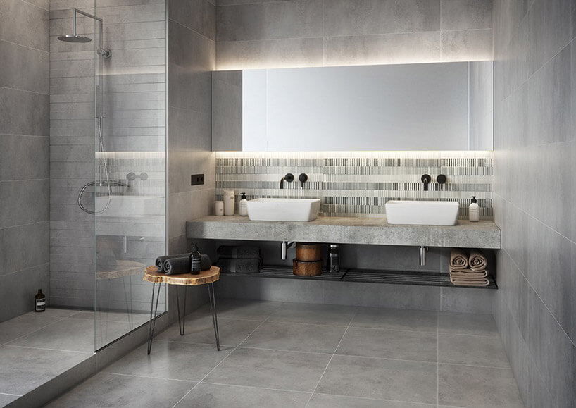 łazienka zdługim lustrem idwoma umywalkami