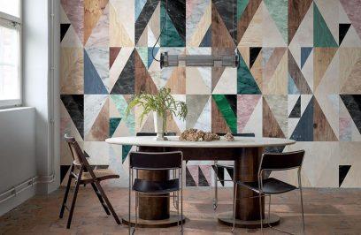 różnokolorowe trójkąty na tapecie