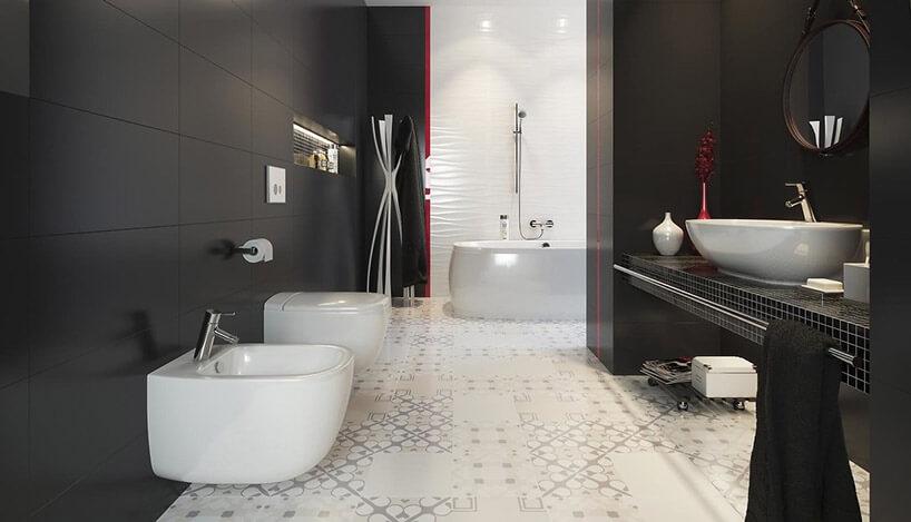 łazienka zczarnymi ścianami ijasną podłogą