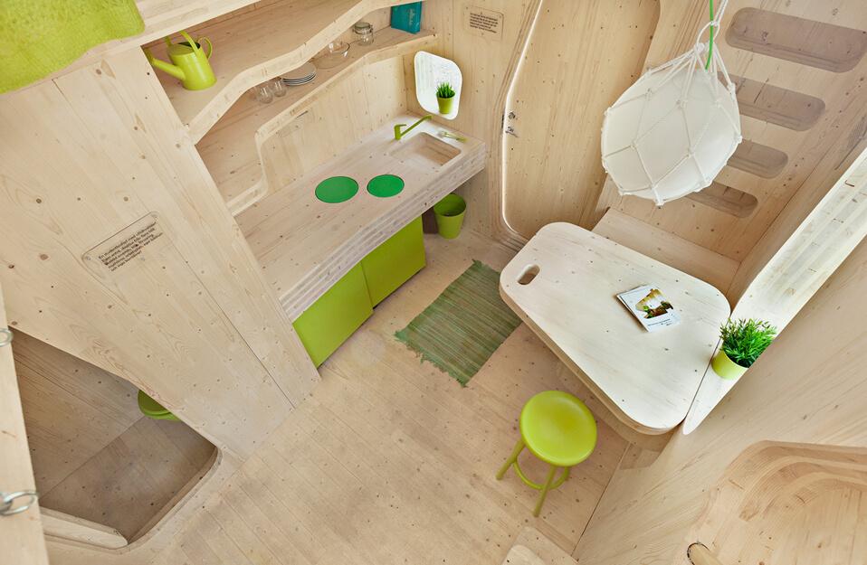 wnętrze drewnianego domku