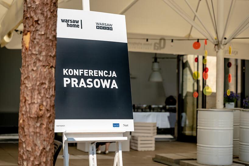 warsaw home 2019 czarna plansza znapisem konferencja prasowa