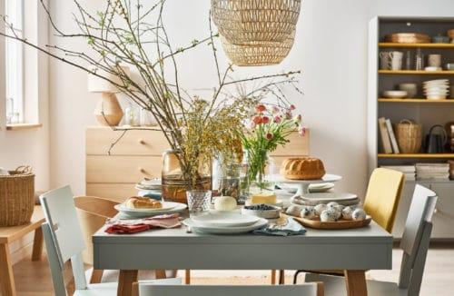 Wielkanocny stół: wśród pisanek i wiosennych dekoracji