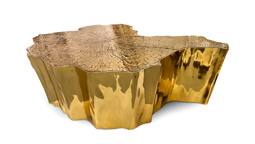 ekskluzywny złoty stolik przypominający pień drzewa