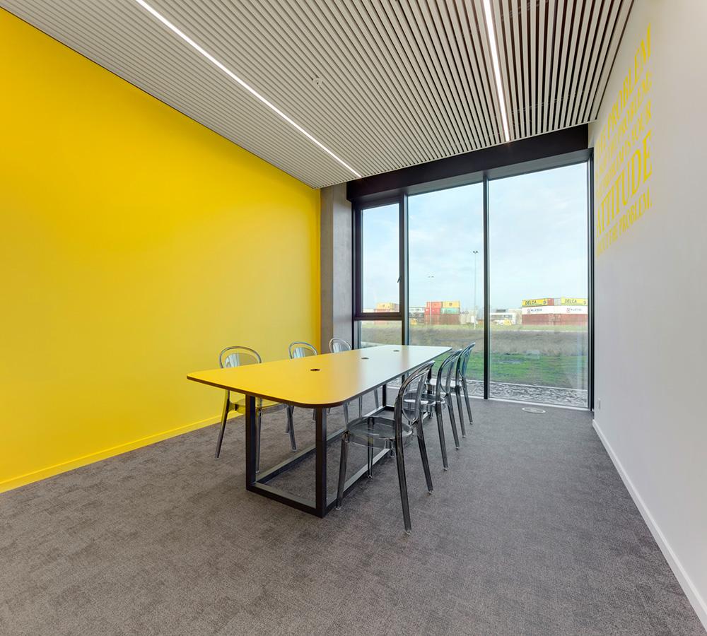 Wspaniały schemat kolorów: centrum dystrybucyjne wBelgii