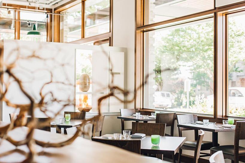 wnętrze restauracji przed otwarciem