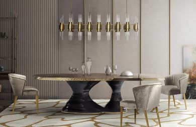 duży żyrandol nad złoto-czarnym stołem w luksusowym wnętrzu