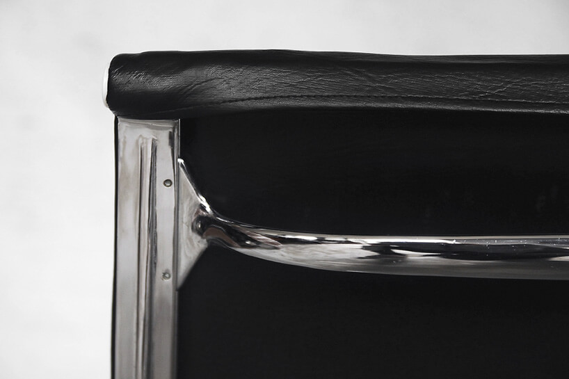 stelaż oparcia czarnego fotela