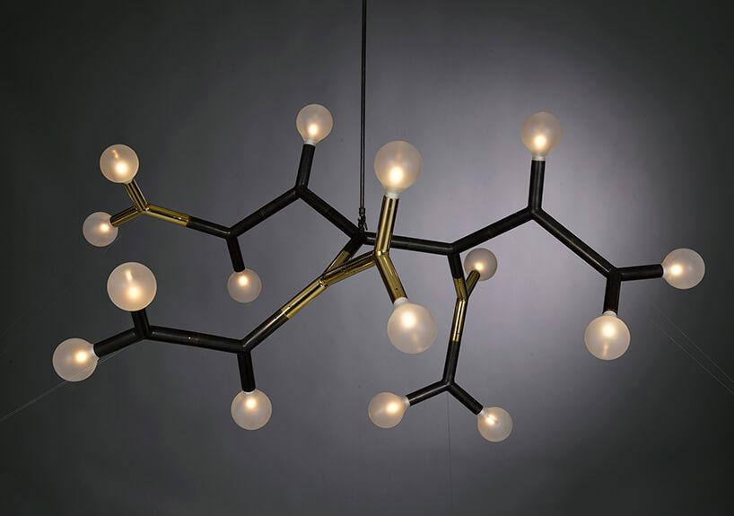 żyrandol wkształcie wzoru chemicznego