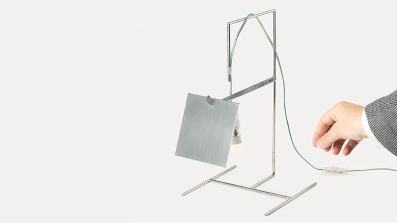 biała nieszablonowa lampka