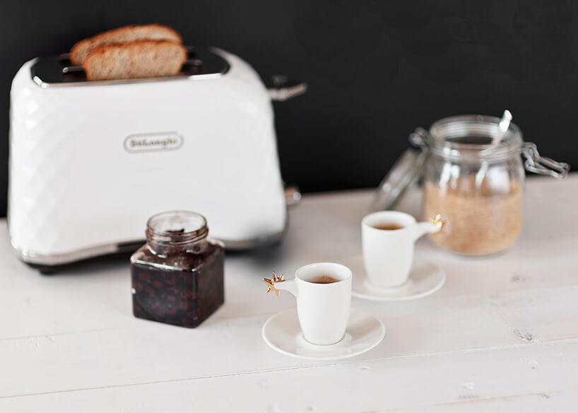dwie małe filiżanki do espresso