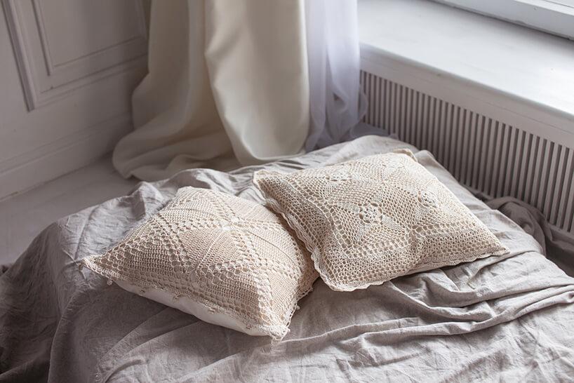 poduszki zbawełnianymi poszewkami