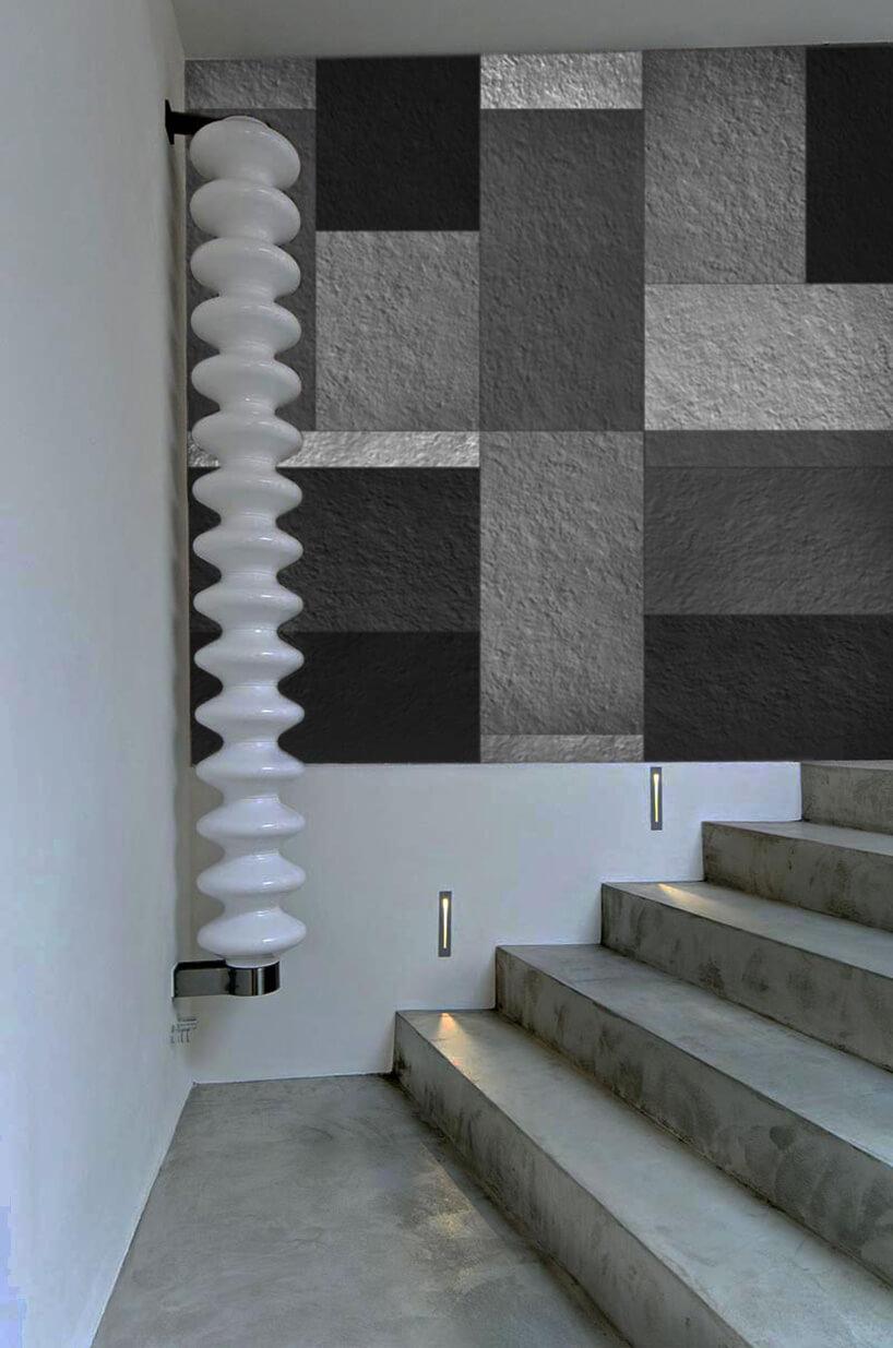 wielokolorowe płytki na ścianie