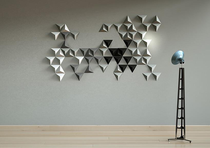 trójkolorowe płytki 3D na ścianie