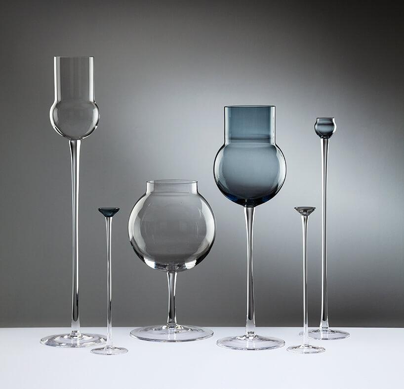 wyjątkowe szklane na wysokiej nodze wazony śiweczniki