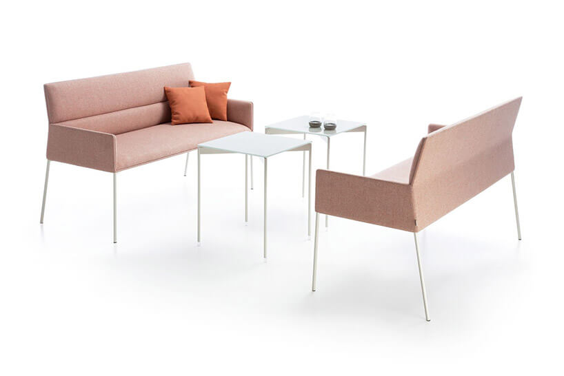 komplet dwóch sof istolików