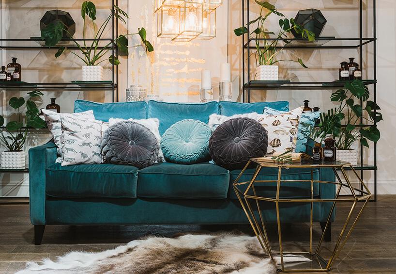 seledynowa sofa waranżacji