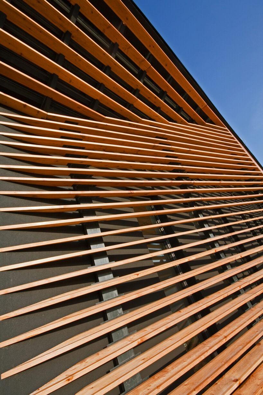 drewniano metalowa konsturkcja ściany
