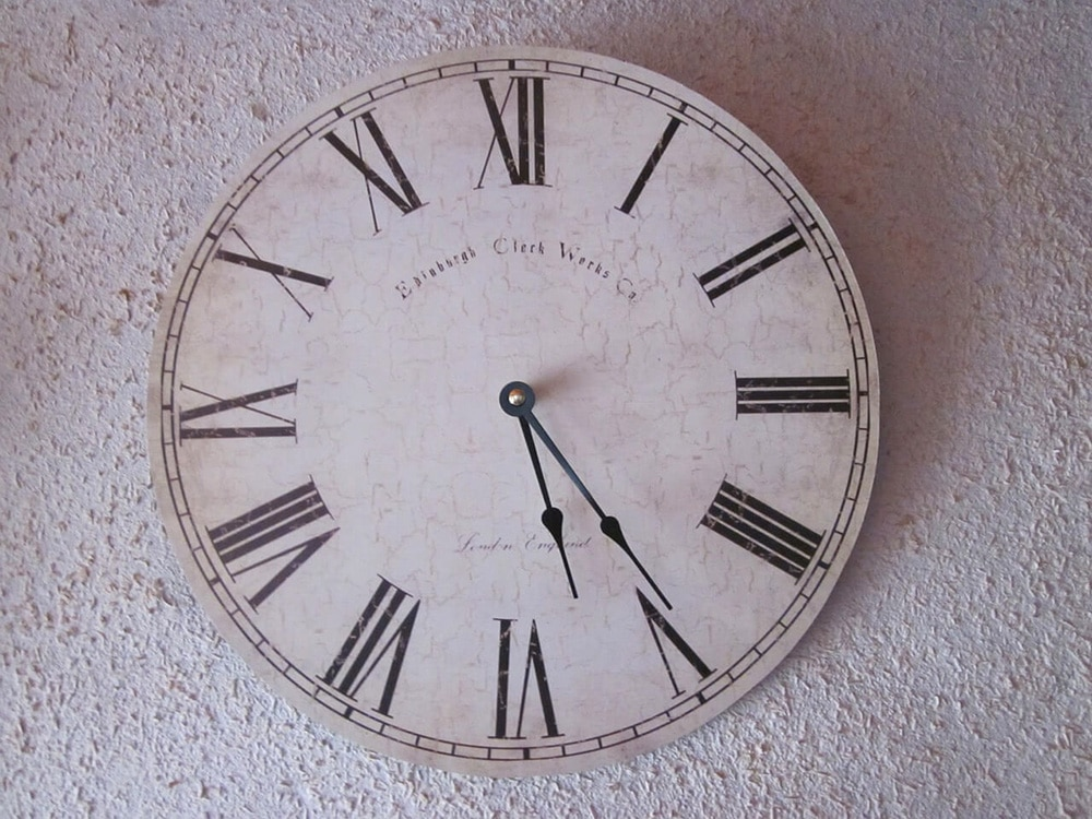 Zegary ścienne – 3 powody, dla których warto mieć wswoim domu