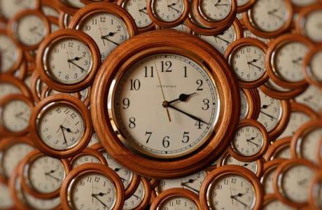 Zegary ścienne – 3 powody, dla których warto mieć w swoim domu