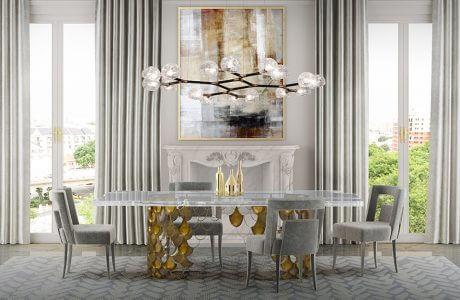stół z krzesłami w jasno-szarym wnętrzu