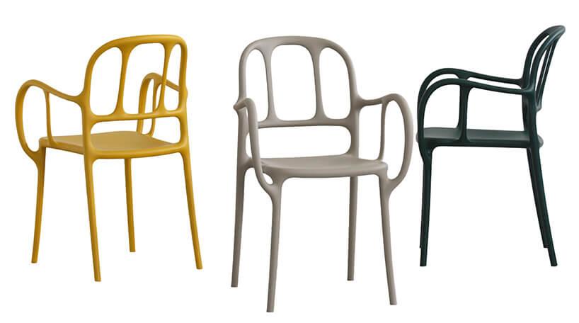 krzesła wnietypowej budowie